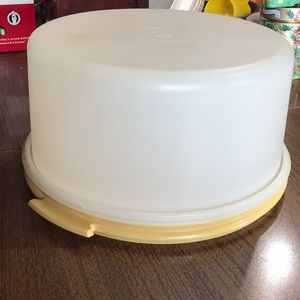 Tupperware Kitchen - Tupperware cake keeper